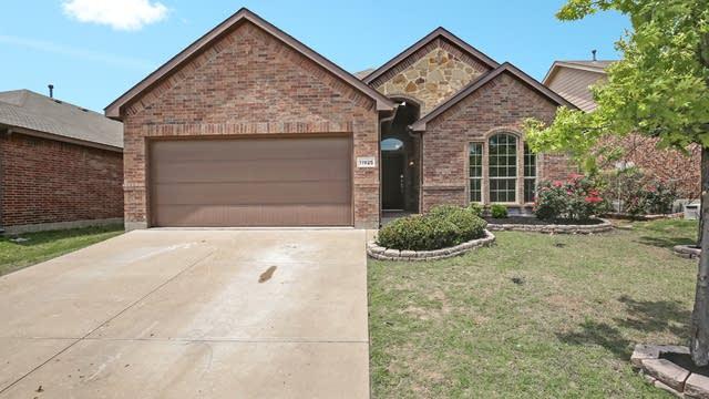 Photo 1 of 27 - 11925 Sundog Way, Fort Worth, TX 76244