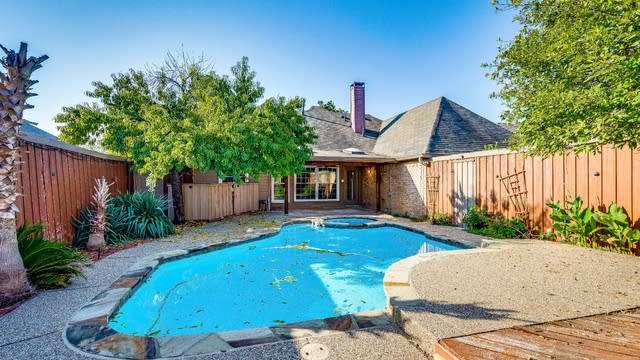 Photo 1 of 22 - 2317 Edinburgh Way, Garland, TX 75040