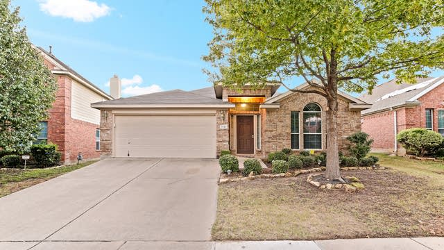 Photo 1 of 25 - 3840 Drexmore Rd, Fort Worth, TX 76244