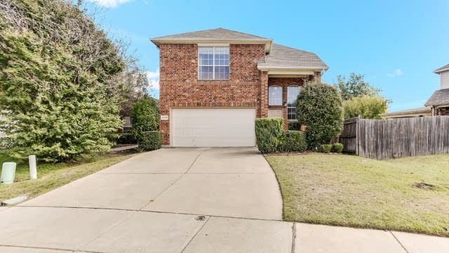 Photo 1 of 23 - 5904 Melanie Dr, Fort Worth, TX 76131