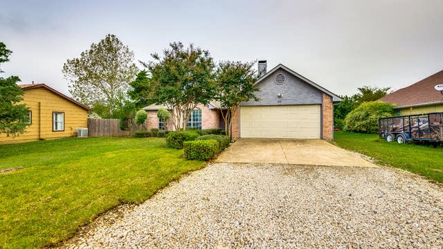 Photo 1 of 25 - 616 Stagecoach Dr, Little Elm, TX 75068