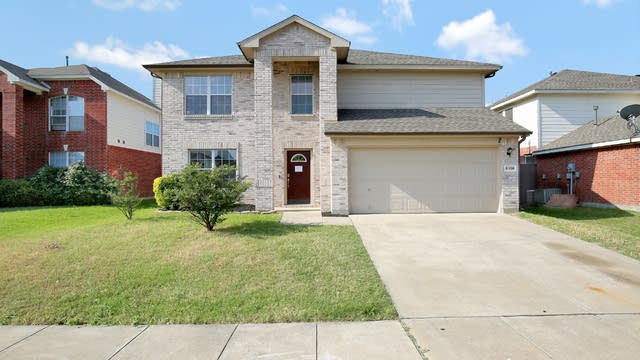 Photo 1 of 31 - 5308 Bison Ct, Watauga, TX 76137