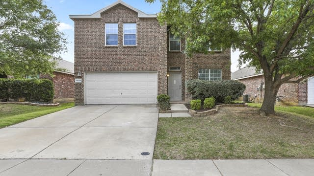 Photo 1 of 52 - 10128 Pear St, Fort Worth, TX 76244