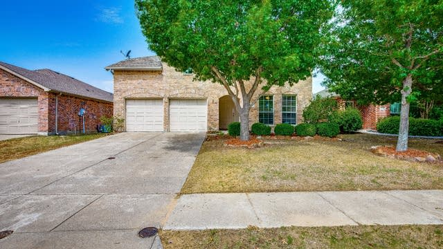 Photo 1 of 32 - 2101 Eisenhower Dr, McKinney, TX 75071