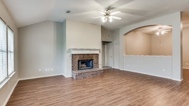 Photo 1 of 26 - 1007 Cumberland Dr, Forney, TX 75126