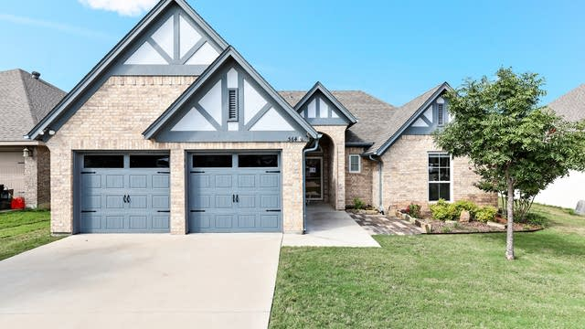 Photo 1 of 22 - 564 Magnolia Pkwy, Fort Worth, TX 76126