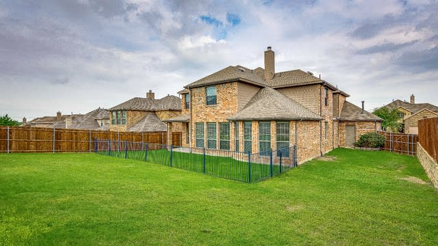 Photo 1 of 29 - 113 Stone St, Forney, TX 75126