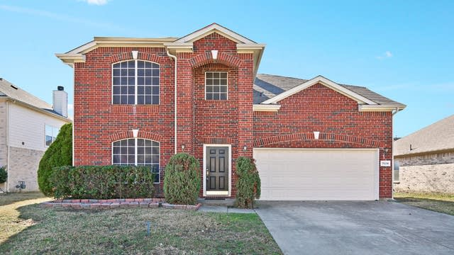Photo 1 of 25 - 7524 Cresswell Dr, Arlington, TX 76001