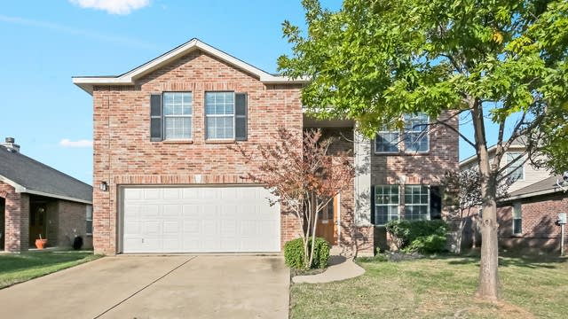 Photo 1 of 24 - 221 Weber River Trl, Fort Worth, TX 76140