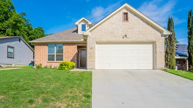 Photo 1 of 25 - 850 Mirike Dr, Fort Worth, TX 76108