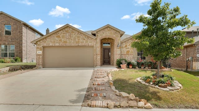 Photo 1 of 25 - 14444 Chino Dr, Haslet, TX 76052