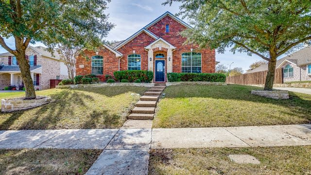 Photo 1 of 24 - 1310 Coastal Dr, Garland, TX 75043
