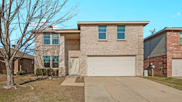 Photo 1 of 25 - 3908 Country Ln, Fort Worth, TX 76123