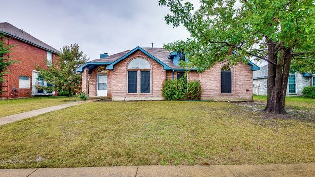 Photo 1 of 18 - 7617 Maui Ln, Rowlett, TX 75089
