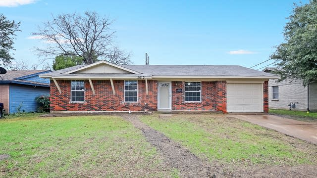 Photo 1 of 26 - 2610 Brady Ln, Grand Prairie, TX 75052