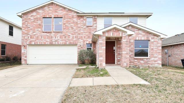 Photo 1 of 25 - 13809 Canyon Ranch Rd, Roanoke, TX 76262