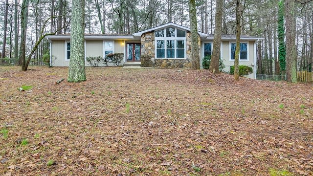 Photo 1 of 22 - 4362 Dunmovin Dr NW, Kennesaw, GA 30144