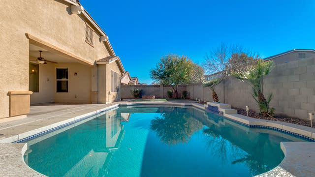Photo 1 of 30 - 823 W Leatherwood Ave, Sun Tan Valley, AZ 85140