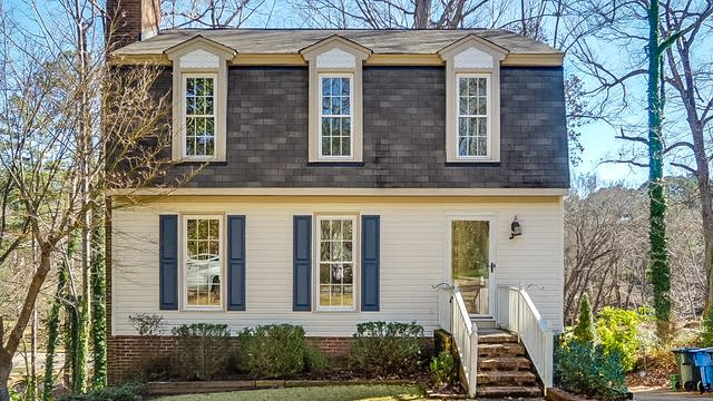 Photo 1 of 19 - 4520 Wenchelsea Pl, Raleigh, NC 27612