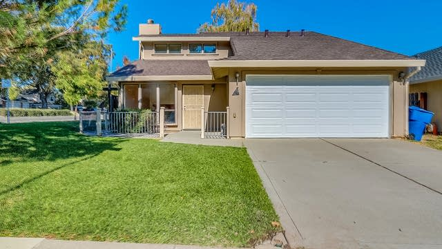 Photo 1 of 17 - 1 Sea Lion Ct, Sacramento, CA 95831
