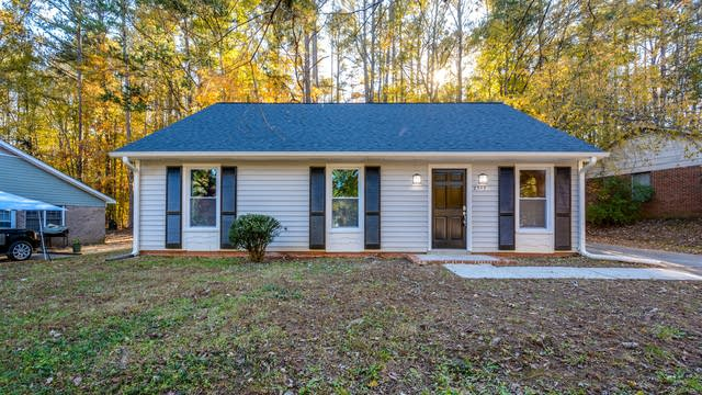 Photo 1 of 13 - 2305 Keith Dr, Raleigh, NC 27610