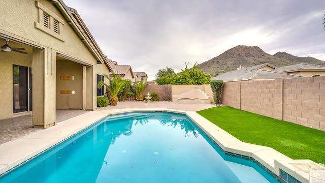 Photo 1 of 16 - 6445 W Cavedale Dr, Phoenix, AZ 85083