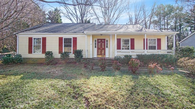 Photo 1 of 15 - 714 Hammer Mill Ct, Charlotte, NC 28270