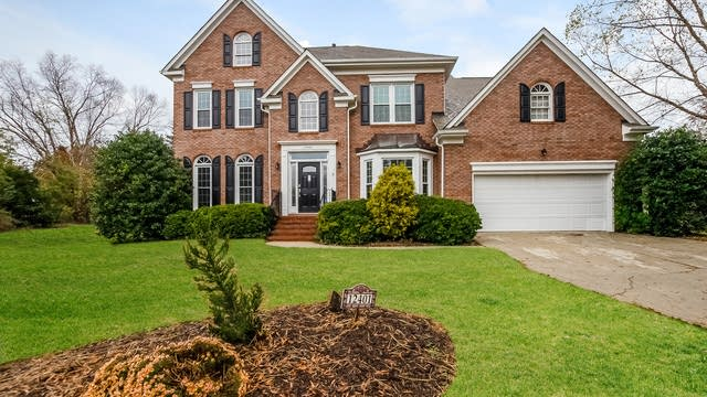 Photo 1 of 25 - 12401 Landing Green Dr, Charlotte, NC 28277