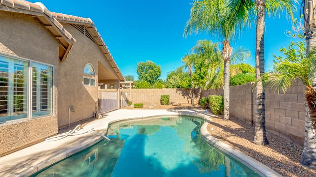 Photo 1 of 31 - 26415 N 43rd Pl, Phoenix, AZ 85050