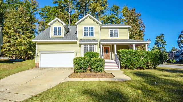 Photo 1 of 16 - 1000 Bramhall Ct, Apex, NC 27502