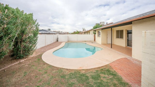 Photo 1 of 18 - 10731 W Belmont Ave, Glendale, AZ 85307