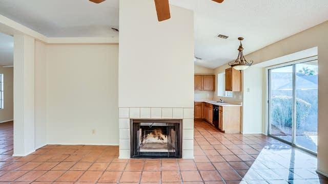 Photo 1 of 25 - 4205 E Briarwood Ter, Phoenix, AZ 85048