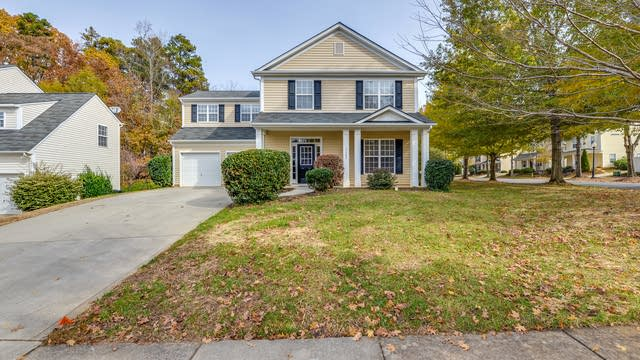 Photo 1 of 16 - 17904 Caldwell Track Dr, Charlotte, NC 28031