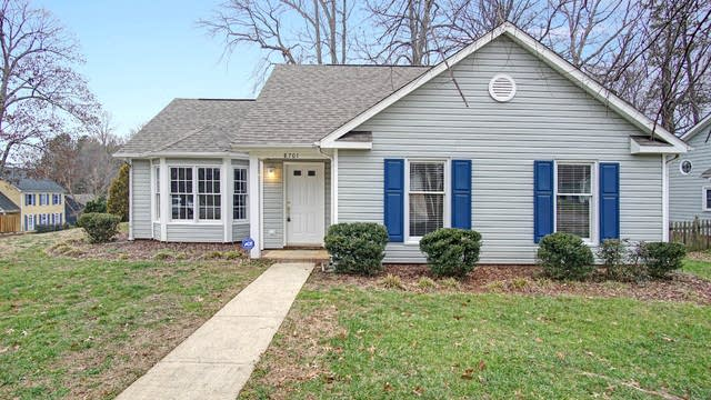 Photo 1 of 15 - 8701 Canter Post Dr, Charlotte, NC 28216