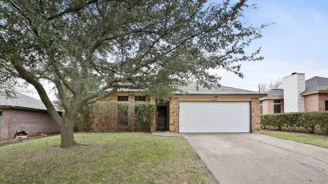 Photo 1 of 25 - 4317 Mayan Ct, Fort Worth, TX 76135