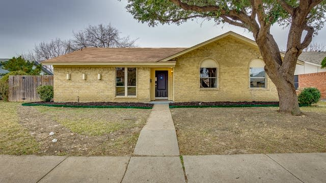 Photo 1 of 21 - 2123 Sheraton Dr, Carrollton, TX 75007