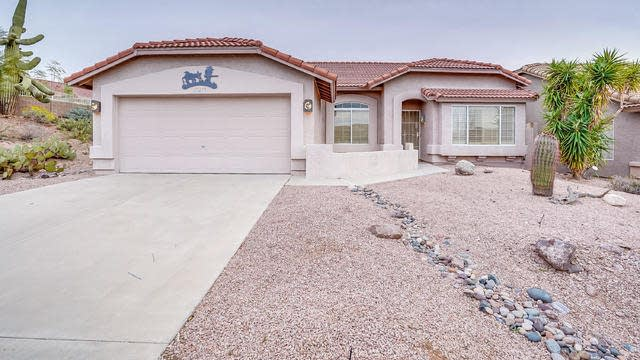 Photo 1 of 19 - 10279 E Golden Rim Cir, Gold Canyon, AZ 85118