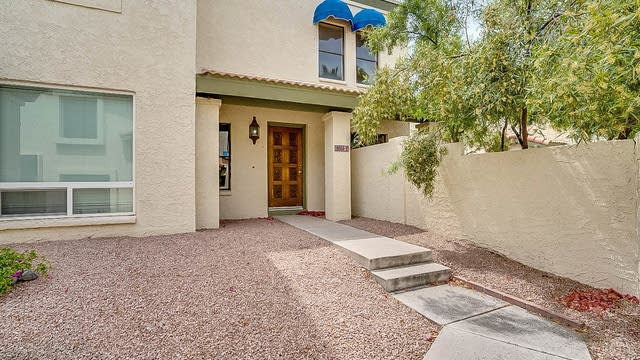 Photo 1 of 16 - 8653 S 51st St Unit  Unit 2, Phoenix, AZ 85044