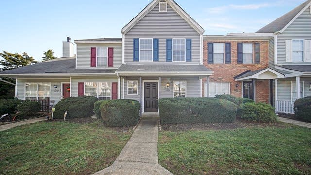 Photo 1 of 13 - 8228 Golf Ridge Dr, Charlotte, NC 28277