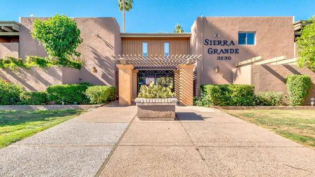 Photo 1 of 20 - 3230 E Pinchot Ave #25, Phoenix, AZ 85018