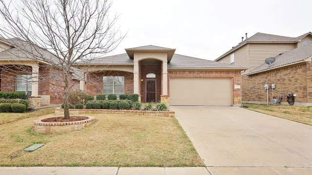 Photo 1 of 25 - 1417 Zanna Grace Way, Haslet, TX 76052