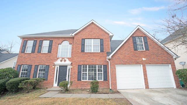 Photo 1 of 17 - 5724 Spring Mill Cir, Lithonia, GA 30038