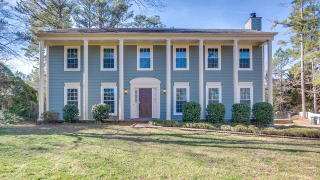 Photo 1 of 25 - 670 Barrington Way, Roswell, GA 30076