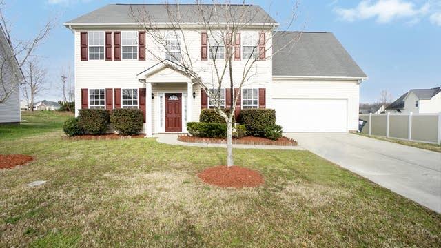 Photo 1 of 14 - 2002 Twilight Ln, Charlotte, NC 28110