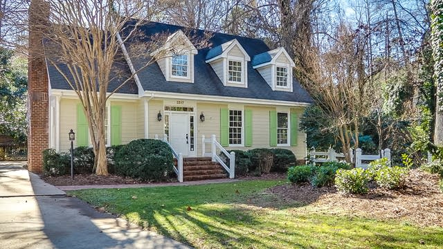 Photo 1 of 43 - 2517 Winterbury Ct, Raleigh, NC 27607