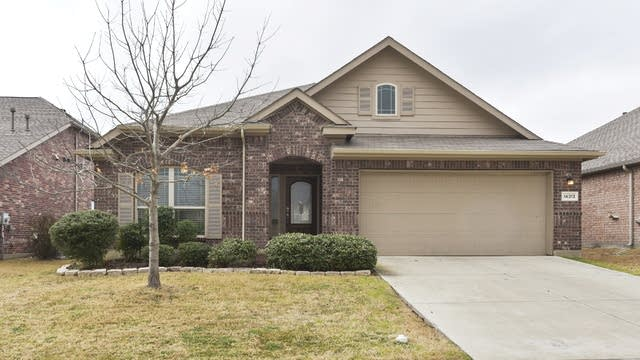 Photo 1 of 26 - 14313 Mariposa Lily Ln, Haslet, TX 76052