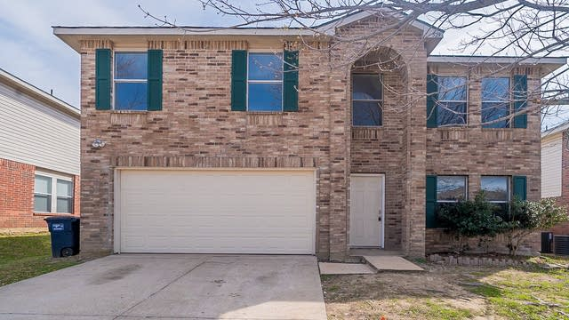 Photo 1 of 23 - 529 Linacre Dr, Crowley, TX 76036