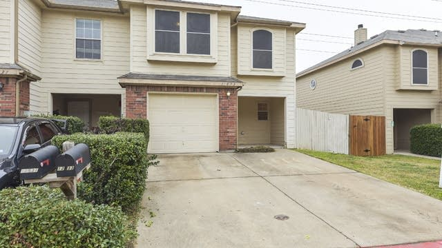 Photo 1 of 26 - 12633 Bay Ave, Euless, TX 76040