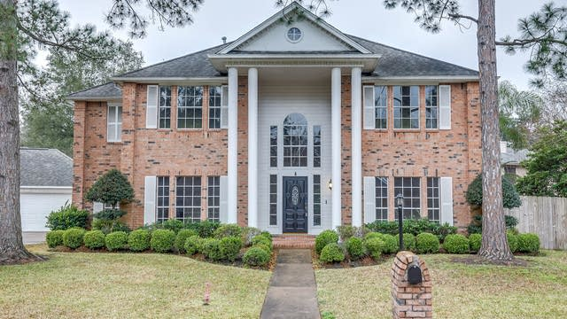 Photo 1 of 19 - 16903 Shadow Valley Dr, Spring, TX 77379