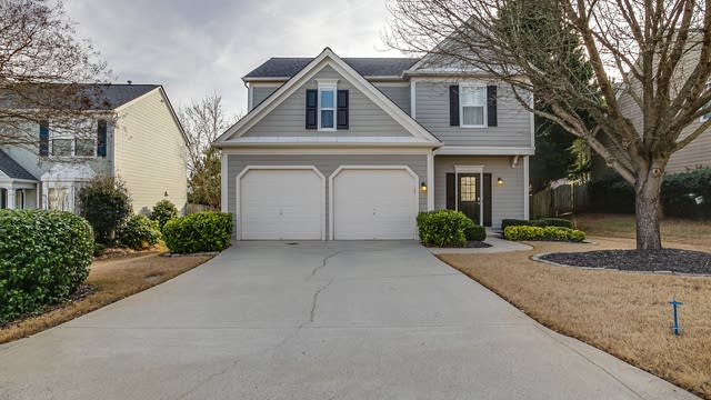 Photo 1 of 17 - 5935 Barrington Ln, Alpharetta, GA 30005